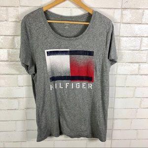Tommy Hilfiger Flag Logo Graphic T-shirt